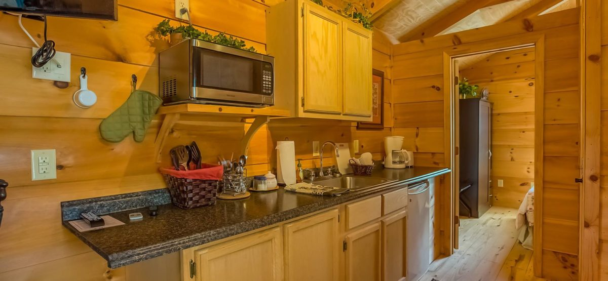 elk-horn-cabin-kitchen-great-outdoor-rv-resort-north-carolina