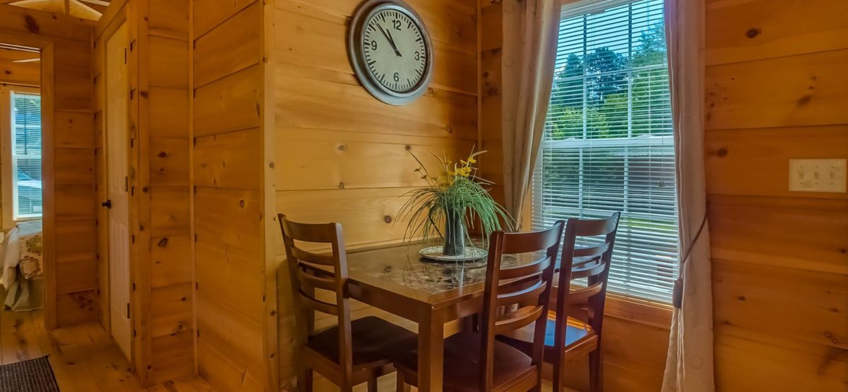 elk-horn-cabin-kitchen-table-great-outdoor-rv-resort-north-carolina