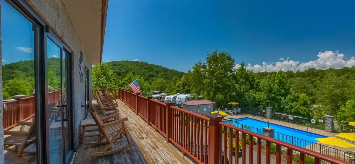 great-outdoors-rv-resort-deck2-north-carolina
